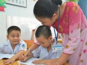 Giáo dục - du học - Khập khiễng nhận xét và cho điểm học sinh tiểu học