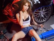 Ô tô - Xe máy - Người đẹp sexy khi làm thợ sửa xe