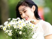 Bạn trẻ - Cuộc sống - Trang Cherry lãng mạn bên cúc họa mi