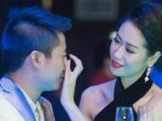 Thời trang - Hoa hậu Dương Thùy Linh tình tứ bên ông xã