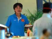 """Bóng đá - """"Đột nhập"""" bữa ăn giá 1,5 triệu đồng/người/ngày của ĐTQG Việt Nam"""