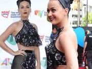 Katy Perry mặc trang phục gây tranh cãi lên thảm đỏ