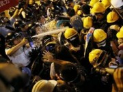 Tin tức trong ngày - Biểu tình Hong Kong đụng độ dữ dội với cảnh sát