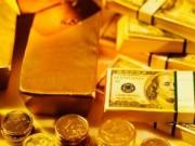 """Tài chính - Bất động sản - USD """"trượt dốc """" theo giá vàng"""
