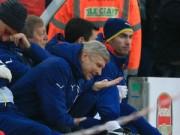 """Bóng đá - Wenger thừa nhận Arsenal """"tự hại mình"""" trước Stoke"""