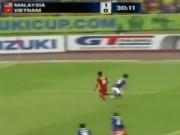 """Bóng đá - Trọng tài """"bỏ quên"""" quả penalty cho ĐTVN?"""