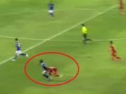 Bóng đá - Đánh nguội Huy Toàn, cầu thủ Malaysia thoát thẻ