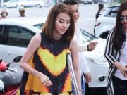 Phim - Ngân Khánh chống nạng đi ra mắt phim mới