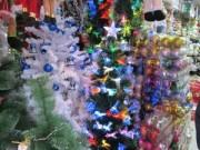 Thị trường - Tiêu dùng - Thị trường Noel 2014: Giá tăng vọt, khách đua nhau mua sớm