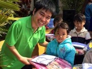 Bạn trẻ - Cuộc sống - Cử nhân khuyết tật và 5.000 suất cơm yêu thương