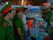 Video An ninh - Phát hiện gần 3.000 đôi giày nhái hàng hiệu