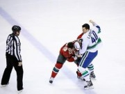 Thể thao - Cho phép VĐV đánh nhau, luật khó tin ở môn hockey