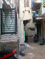 Tin tức Việt Nam - Người đàn ông đổ xăng lên người tự thiêu