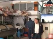 Video An ninh - Mắc kẹt trong thang máy tự chế, nữ nhân viên tử vong