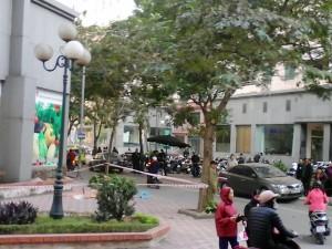 Tin tức trong ngày - Hà Nội: Một phụ nữ rơi từ chung cư tử vong?
