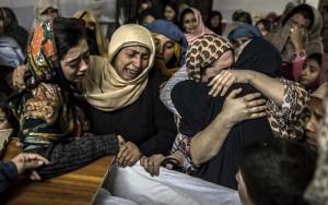 Taliban thảm sát trường học Pakistan: Cả thế giới phẫn nộ