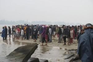 Tin tức trong ngày - Đánh cá lúc biển động, 2 ngư dân bị sóng cuốn trôi