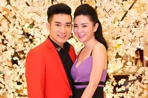 Bạn gái Quang Hà ngày càng gợi cảm