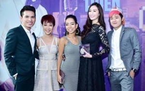 Ca nhạc - MTV - Dàn sao Vietnam Idol tấp nập đến chúc mừng Quốc Thiên