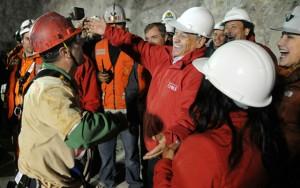 Tin tức trong ngày - Những vụ giải cứu tai nạn hầm mỏ thần kỳ nhất thế giới