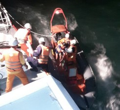 Tin tức Việt Nam - Chìm hai tàu cá, 20 thuyền viên gặp nạn
