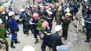 Tin tức Việt Nam - Sập hầm thủy điện: Công nhân kể lại 80 giờ kẹt trong hầm tối