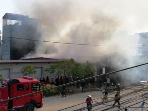 Tin tức trong ngày - Hải Phòng: Cháy xưởng nến 1000 mét vuông giữa khu dân cư
