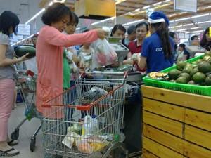 Thị trường - Tiêu dùng - Mua sắm Noel: Sức mua tăng 10%-20%