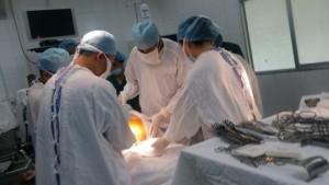 Sức khỏe đời sống - Cứu sống nạn nhân bị vật nhọn đâm xuyên phổi
