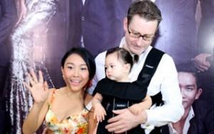 Ca nhạc - MTV - Chồng Đoan Trang ân cần chăm con thay vợ