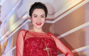 """Trang Nhung diện đầm đỏ rực """"bế"""" bụng bầu đi sự kiện"""