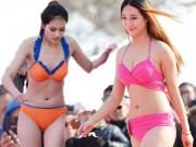 Thời trang - Nữ sinh Trung Quốc diễn bikini ở dưới trời -5°C