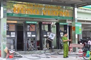 Tin tức trong ngày - Sóc Trăng: Nổ lớn ở cây xăng, 4 người bị thương