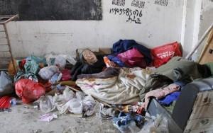 Tình yêu - Giới tính - Rớt nước mắt người mẹ ngủ ngoài đường tìm con