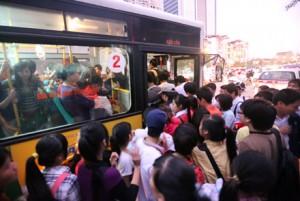 Xe buýt riêng cho nữ: Sẽ tránh được hành động sàm sỡ