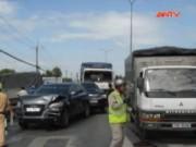 Video An ninh - TP.HCM: 7 ô tô tông liên hoàn khi chờ đèn đỏ