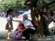 An ninh Xã hội - Camera giấu kín: Bé gái bị trấn lột giữa ban ngày