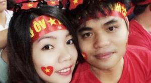 Cuộc sống - Chuyện tình đẹp của 9x cầu hôn bạn trai trên đỉnh Phan-xi-phăng