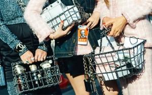 Tin tức thời trang - Mua sắm cùng ai sẽ đem lại hiệu quả?