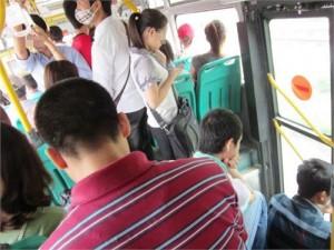 Nữ sinh nói gì về nạn quấy rối trên xe buýt?