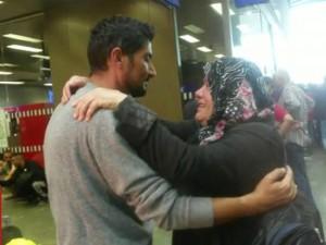 Tin tức trong ngày - Cảm động hành trình 2.100 km tìm con của người mẹ tị nạn Syria