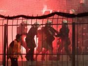 Bóng đá - Cảnh sát Hy Lạp thẳng tay trấn áp CĐV Dortmund