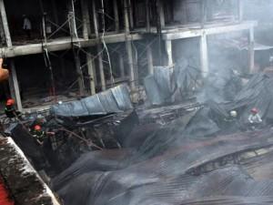 Tin tức trong ngày - TP.HCM: Cháy lớn, thiêu rụi công ty may