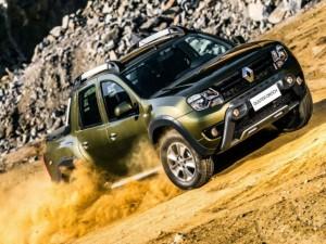 Xe bán tải Renault Duster Oroch giá 350 triệu đồng lên kệ