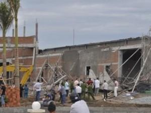 Tin tức trong ngày - Điều tra nguyên nhân sập công trình làm 5 người thương vong