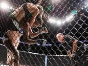 """Thể thao - UFC: """"Đè đầu cưỡi cổ"""" để hạ đối thủ"""