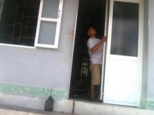 An ninh Xã hội - Nam thanh niên chém vợ con, bố đẻ rồi cắt cổ tự tử