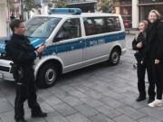 """Thể thao - Tennis 24/7: Cảnh sát """"tóm"""" Sharapova xin... chụp ảnh"""