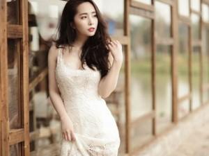 """""""Cá sấu"""" Quỳnh Nga tái xuất gợi cảm sau khi kết hôn"""