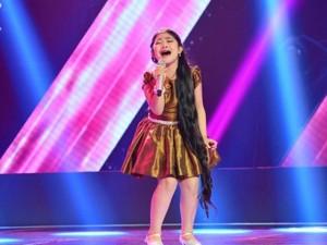 Ca nhạc - MTV - Điều ít biết về cô bé có lưỡi dài nhất Giọng hát Việt nhí 2015